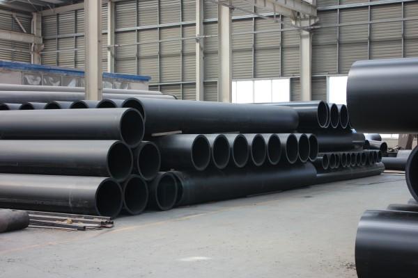 超高分子量聚乙烯管生产车间摆放